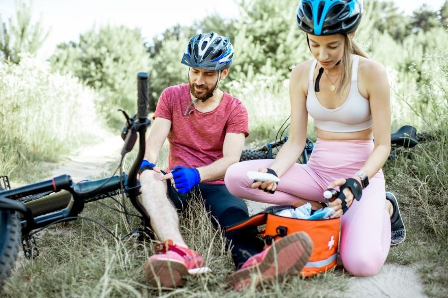 Artículos de emergencia para salidas en bicicleta