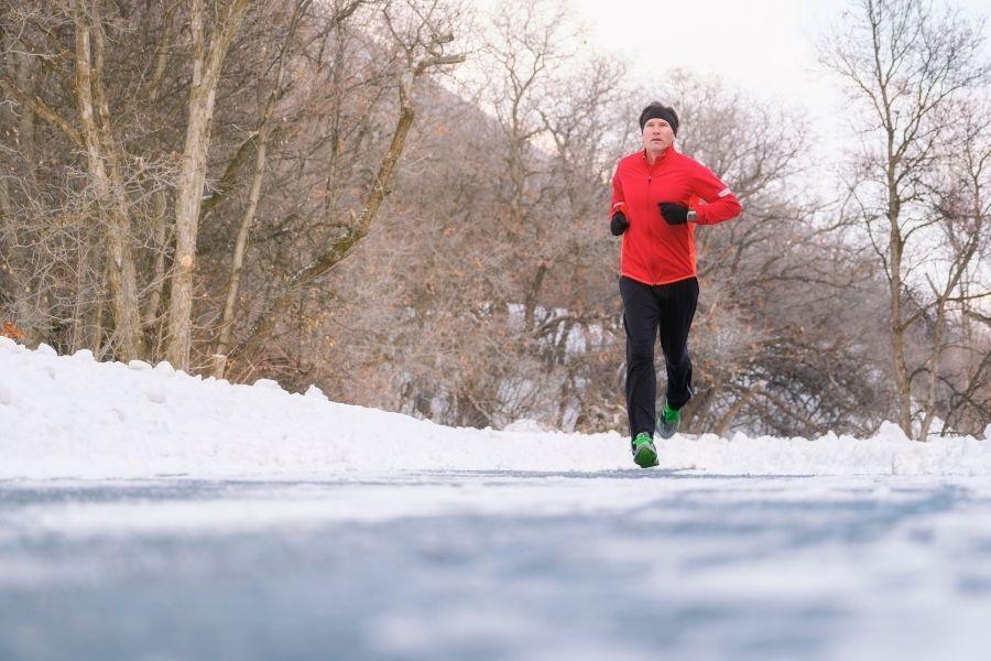 Cómo Vestirse para Correr en Climas Fríos