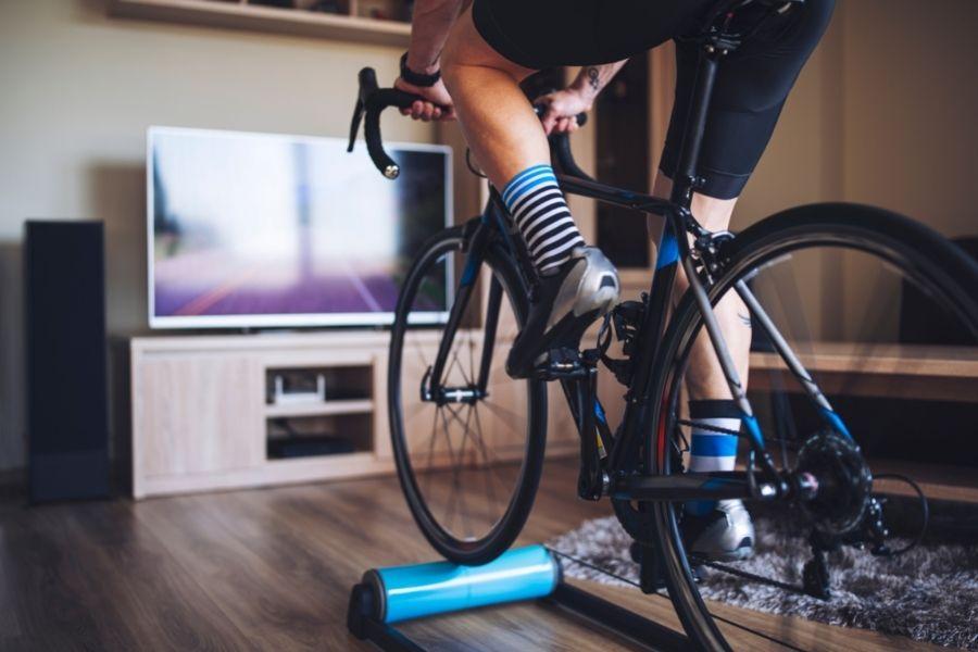 Ciclismo al aire libre vs de Interior